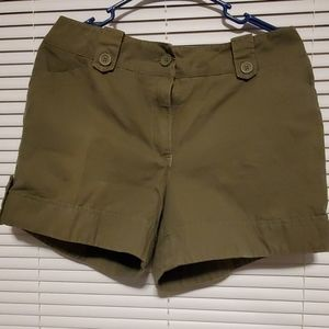 NEW YORK AND COMPANY SHORTS SIZE8